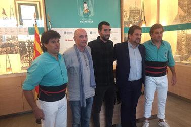 Orio Arraunketa Elkartea Castellers de Villafrancak ohorezko bazkide izendatu du.